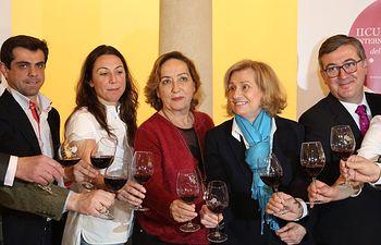Soriano y Marin asisten a cata vino Albacete. Foto: JCCM.