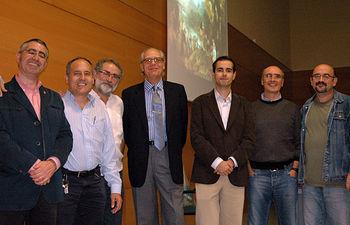 Guillermo Carnero y acompañantes, momentos antes de comenzar el acto