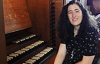 Mª Ángeles Jaén Morcillo, organista.