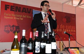 Joaquin Parra hace un recorrido en fenavin catando los vinos de españa