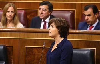 La vicepresidenta del Gobierno contestando en la sesión de control al Gobierno