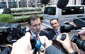 Rajoy atiende a los medios en Bruselas. Foto: EFE.