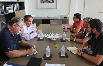 Ruiz Molina traslada a CCOO la disposición del Gobierno regional de trabajar de forma conjunta para mejorar las condiciones de los empleados públicos. Foto: JCCM.