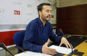 El diputado del Grupo Parlamentario Socialista en las Cortes regionales, José Luis Escudero