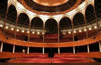 El Teatro Circo de Albacete acoge el X Premio de Pintura y Escultura de Caja Castilla-La Mancha.