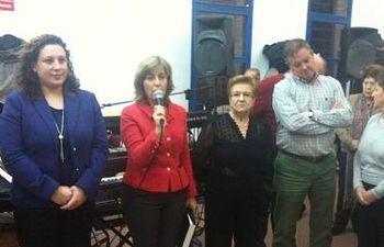 Carmen Heredia y Verónica Renales durante el acto homenaje a Ignacio Simón