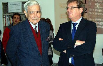 Antonio Bonet junto al rector de la UCLM.