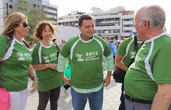 """Manuel Serrano asiste a la """"V Carrera AECC Albacete en Marcha Contra el Cáncer"""" celebrada por las calles de la ciudad"""