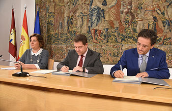 Firmas de colaboración con la Empresa Familiar de CLMFirmas de colaboración con la Asociación de la Empresa Familiar de CLM