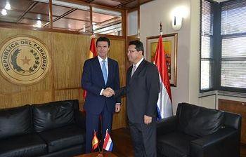 José Manuel Soria, en Paraguay. Foto: Ministerio de Industria, Energía y Turismo.