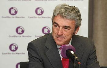 Leandro Esteban es entrevistado en Radio Castilla-La Mancha I. Foto: JCCM.