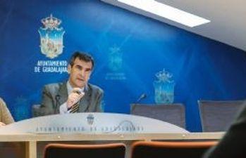 Antonio Román presenta nuevas iniciativas de empleo para jóvenes