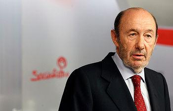 Alfredo Pérez Rubalcaba durante la comparecencia tras las Elecciones del 25M.