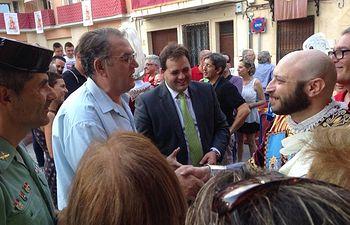 El presidente de la Diputación, Francisco Núñez, asiste a la representación de los famosos Episodios Caudetanos