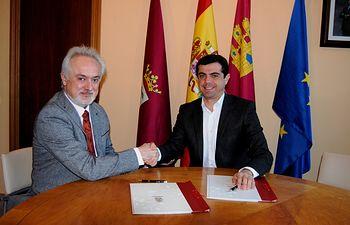 Firma de la renovación del convenio suscrito entre el Ayuntamiento y la Sociedad de Conciertos de Albacete (SOCA)