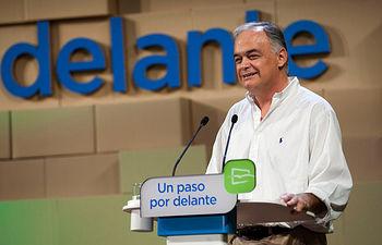 González Pons en el seminario de NNGG
