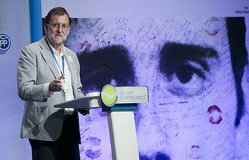 """Rajoy: """"El único final de ETA es asumir el daño, pedir perdón a las víctimas y desaparecer"""""""