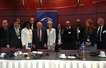 El PP Europeo se reúne con representantes de grupos de la oposición cubana