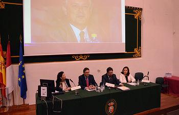 Los profesores de Derecho Administrativo en la conferencia de apertura.