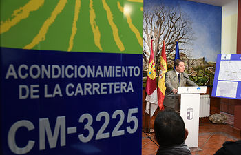 El presidente de Castilla-La Mancha, Emiliano García-Page, inaugura la reforma de la carretera CM-3225, entre el municipio albaceteño de Nerpio y la pedanía de Beg, reanudada por el actual Ejecutivo autonómico. (Fotos: José Ramón Márquez // JCCM)