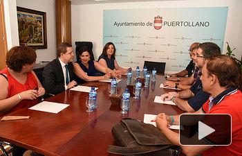 Emliano García-Page con alcaldesa de Puertollano y representantes de ELCOGAS.