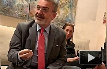 Milton Henríquez, embajador de Panamá en España. Fotograma extraído del vídeo donde el embajador lanza las alabanzas a España.