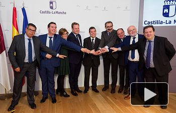 Emiliano García-Page preside la reunión de la Comisión de Seguimiento de las Obras del Hospital de Albacete. Foto: Manuel Lozano García / La Cerca