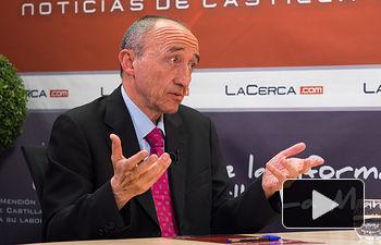 """Fernando Lamata, coautor del libro \""""Medicamentos: ¿Derecho Humano o Negocio?\"""""""