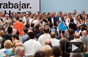 Mariano Rajoy junto al Candidato a la Comunidad Valenciana, Alberto Fabra y candidatos de la provincia de Alicante