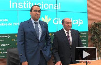 Pedro Palacios, director general de Globalcaja, junto a Higinio Olivares, presidente de Globalcaja.