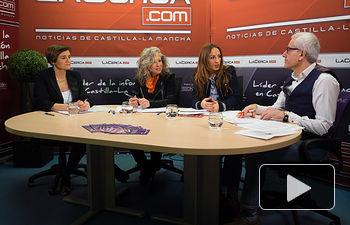 Elena Serrallé Ramírez, vicepresidenta de AMEPAP;  Teresa Losa González, jefa de sección de Prestaciones por Desempleo en Albacete del SEPES; Mercedes Márquez Alcantud, directora provincial del Instituto de la Mujer en Albacete; y Manuel Lozano, director del Grupo Multimedia de Comunicación La Cerca