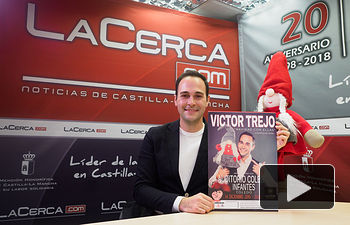 """Víctor Trejo, tenor y organizador de """"Navidad con Ellas"""". Foto: Manuel Lozano Garcia / La Cerca"""