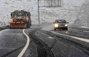 Autovía. Nieve. Foto de Archivo