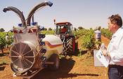 La Jornada técnica sobre aplicación de los fitosanitarios en viñedo muestra a más de 250 agricultores las últimas innovaciones tecnológicas. Foto: Ministerio de Agricultura, Alimentación y Medio Ambiente