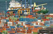 Foto de barco cargando contenedores (Foto:Archivo)