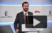 El consejero de Desarrollo Sostenible, José Luis Escudero, informa en rueda de prensa, en el Palacio de Fuensalida, sobre los acuerdos del Consejo de Gobierno en materia de transición energética. (Fotos: José Ramón Márquez // JCCM).