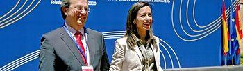 El Consejero de Ordenación del Territorio y Vivienda, Julián Sánchez Pingarrón, junto con la Ministra de Vivienda, Beatriz Corredor durante la reunión informal de ministros de Vivienda y Desarrollo Urbano de la Unión Europea.