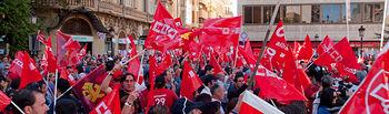 Asistentes a la concentración convocada por los sindicatos el la Plaza del Altozano de Albacete con motivo de la Huelga General del 19 de septiembre de 2010