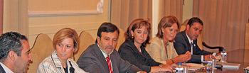 La vicepresidenta y consejera de Economía y Hacienda, María Luisa Araújo, participó esta mañana en el Plenario del Consejo Regional de Cámaras de Comercio, que se celebró en la Cámara Oficial de Comercio de Albacete.