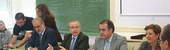 El viceconsejero de Educación, Ciencia y Cultura, Pedro Pablo Novillo (3d), visitó hoy el Centro Integrado de Formación Profesional Aguas Nuevas de Albacete, junto con los directores generales de Formación Profesional de Castilla-La Mancha y Andalucía, Valentín Castellanos (2d) y Emilio Iguaz (1i), respectivamente, y la directora general de Formación del SEPECAM, María Yolanda Lozano (1d), para asistir a la primera reunión del Consejo Social de este curso.