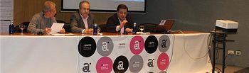 El diputado provincial Félix Diego Peñarrubia y el concejal Manuel Serrano inauguran las II Jornadas de Imagen y Diseño, de la Escuela de Arte