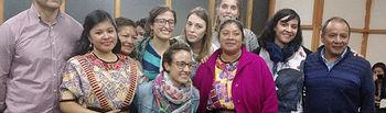 Profesores y estudiantes de Trabajo Social durante su estancia en Guatemala.