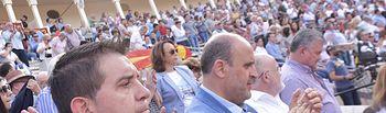 El vicepresidente primero del Gobierno regional en funciones, José Luis Martínez Guijarro, ha asistido hoy en Albacete a la corrida de toros benéfica de la entidad