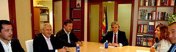 Leandro Esteban se reúne con el secretario general del Sindicato de Policía Local de Castilla-La Mancha. Foto: JCCM.