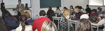 Encuentro en la Facultad de Periodismo.
