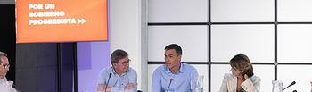 Pedro Sánchez se reúne con representantes de asociaciones de Memoria Histórica. Foto: EVA ERCOLANESE