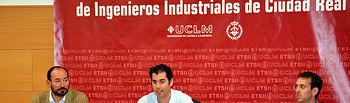 Javier Bermejo (centro), durante su intervención.