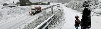 El hielo hace la circulación irregular en dos vías de Albacete y la nieve condiciona otra de Guadalajara.