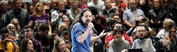 Pablo Iglesias participa en un encuentro con la militancia en el auditorio de Zaragoza. FOTO: DANI GAGO