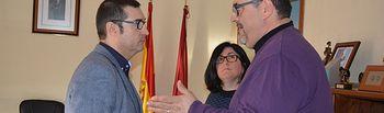 Fernando Muñoz se ha interesado por el taller de empleo de Villafranca de los Caballeros